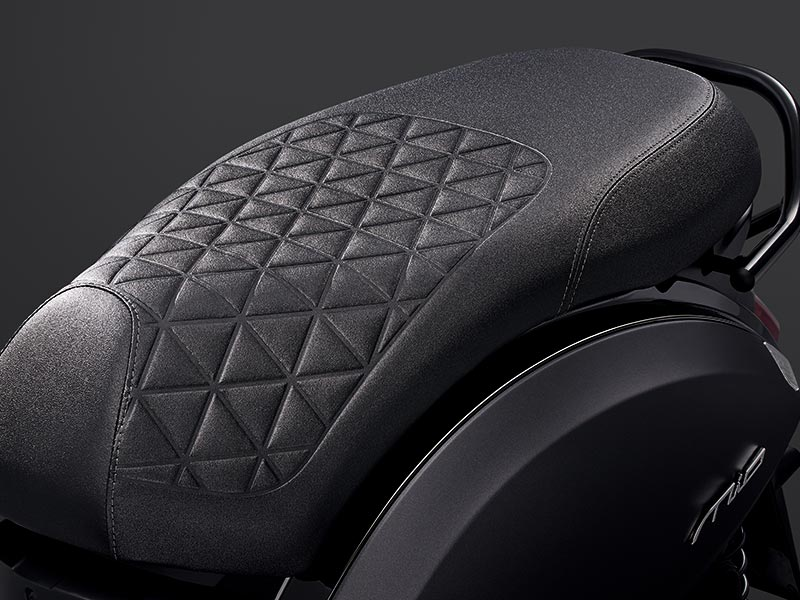Special shape pattern on saddle design (for Mat Grey color only)